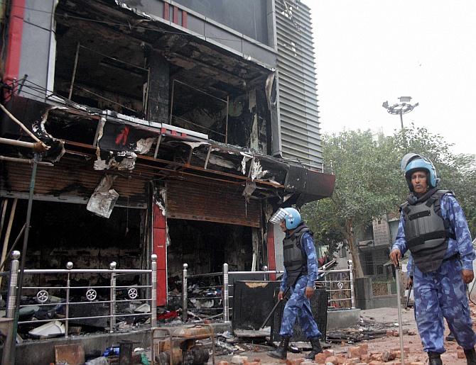 India News - Latest World & Political News - Current News Headlines in India - Fresh violence in East Delhi's Trilokpuri