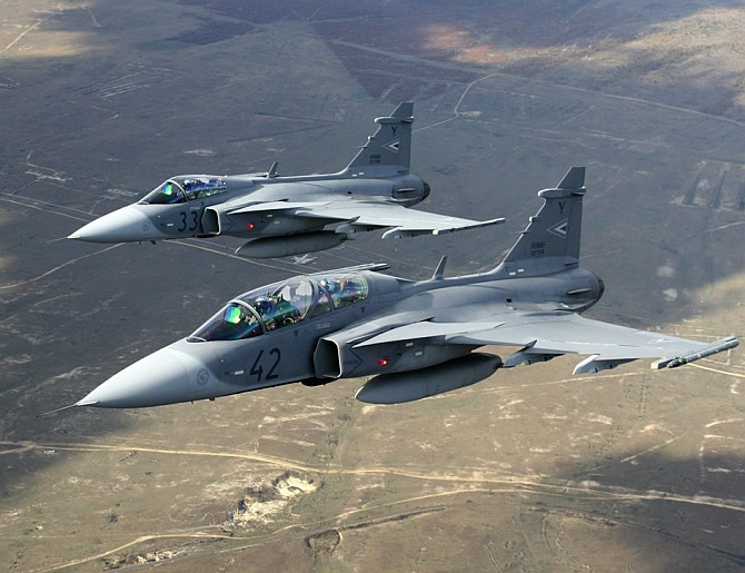 Brazil opens the door for Indian navy and Gripen - Rediff com India News