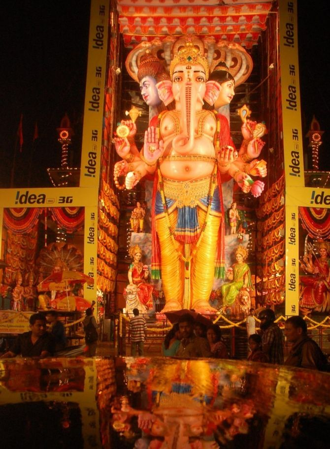 India News - Latest World & Political News - Current News Headlines in India - Country bids adieu to its largest Ganesha