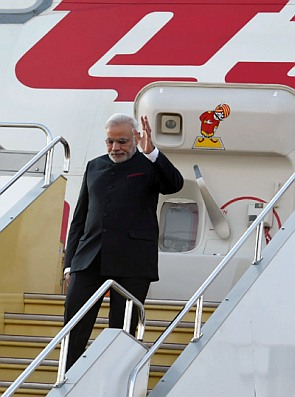 India News - Latest World & Political News - Current News Headlines in India - Obama, Biden will host dinner/lunch, but NaMo will eat nothing