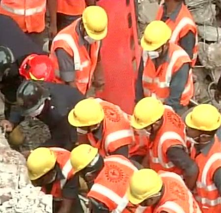 India News - Latest World & Political News - Current News Headlines in India - 7-year-old among 11 killed in Thane building collapse