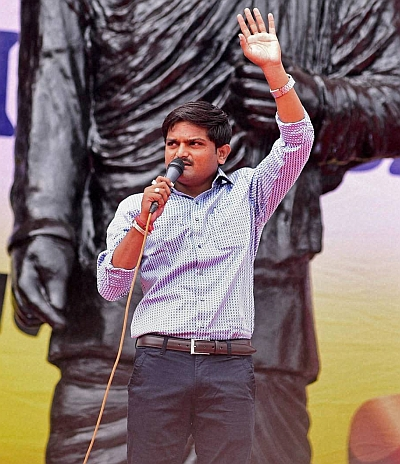 India News - Latest World & Political News - Current News Headlines in India - Hardik calls out Patels of India to join quota marathon