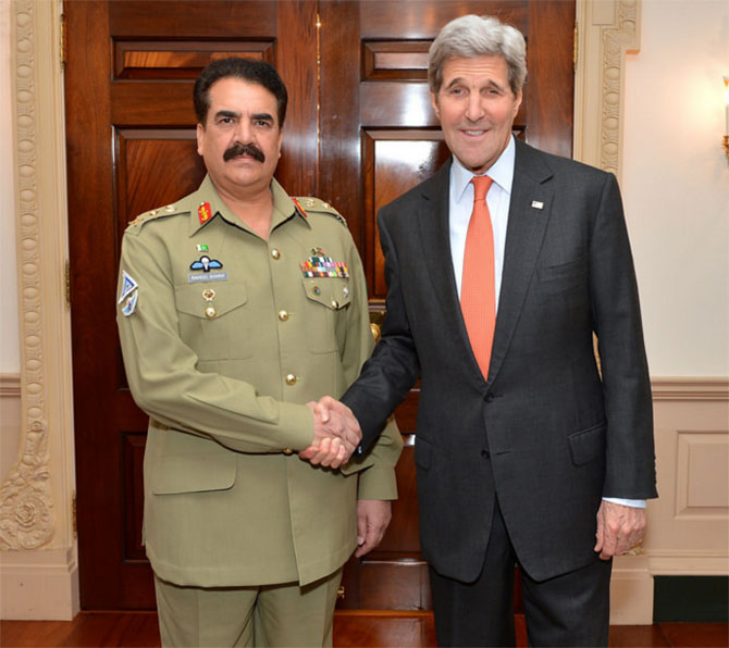 US Secretary of State John F Kerry, right, with Pakistan army chief General Raheel Sharif in Washington, DC. Photograph: The US State Department
