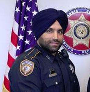 Sikh cop makes history in Texas, to be first to wear ...