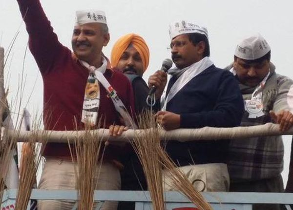 India News - Latest World & Political News - Current News Headlines in India - EC censures Kejriwal over bribe remark
