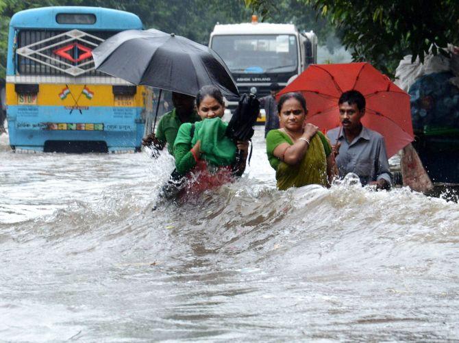 PHOTOS: It's water, water everywhere in Kolkata - Rediff ...