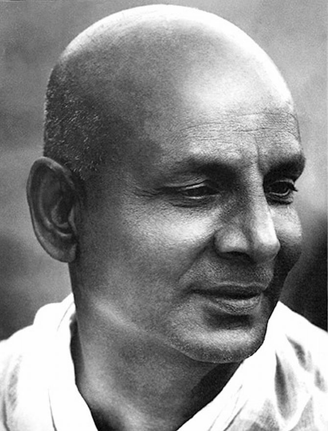 Meet Indias 10 Most Renowned Yoga Gurus