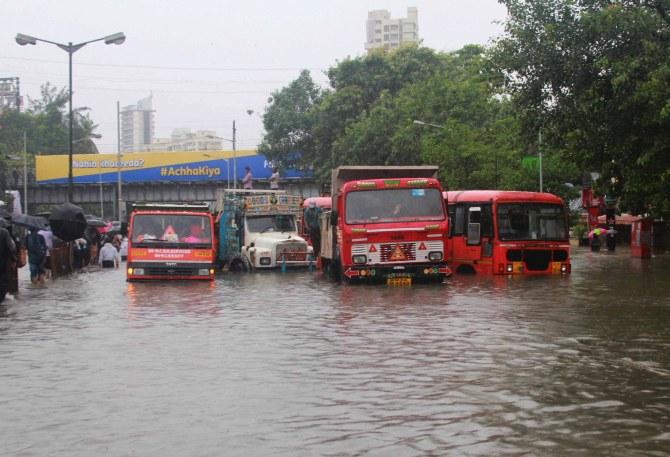 Heavy rainfall in mumbai city