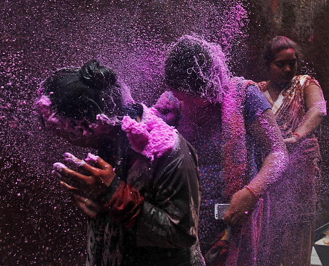India News - Latest World & Political News - Current News Headlines in India - PHOTOS: Holi, Vrindavan style!