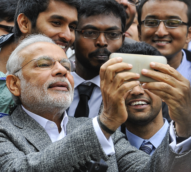 Modi selfie with students