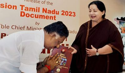 Panneerselvam steps down as Tamil Nadu chief minister - Rediff com