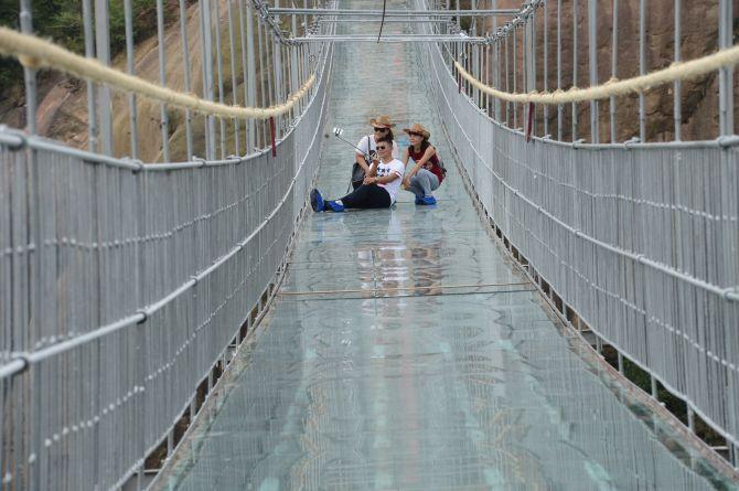 World S Scariest Yet Thrilling Glass Bridges Rediff Com