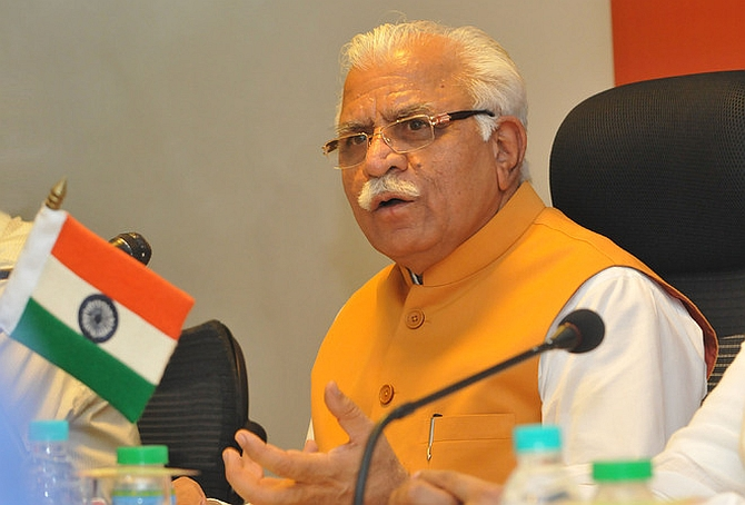 India News - Latest World & Political News - Current News Headlines in India - Let's meet anytime, anywhere: Haryana's Khattar takes on Kejriwal