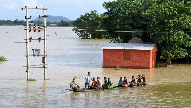 India News - Latest World & Political News - Current News Headlines in India - Assam floods: Villagers face grim odds; over 7.35 lakh affected