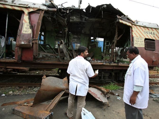 12 convicted for 7/11 train blasts in Mumbai, 1 acquitted