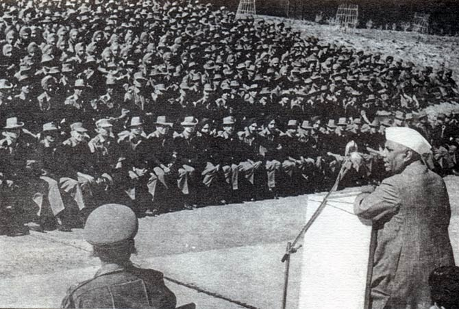 Y B Chavan, then India's defence minister, addresses troops during the war.