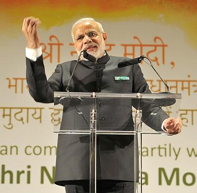 Modi mocks secular janta back home after Irish welcome in
