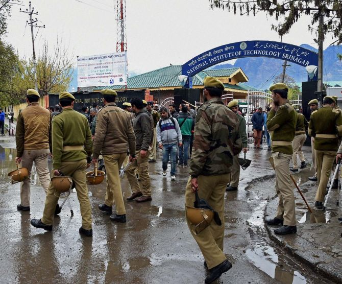 India News - Latest World & Political News - Current News Headlines in India - Call for Jammu bandh over unrest at NIT