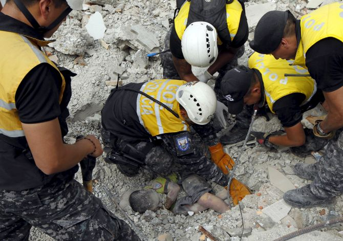 India News - Latest World & Political News - Current News Headlines in India - 'It's the end of the world': Ecuador earthquake claims 262 lives