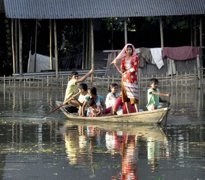 India News - Latest World & Political News - Current News Headlines in India - No let up in Assam, Bihar floods; 55 people dead and counting