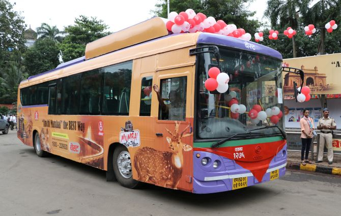 The Special Mumbai Darshan Tour Bus