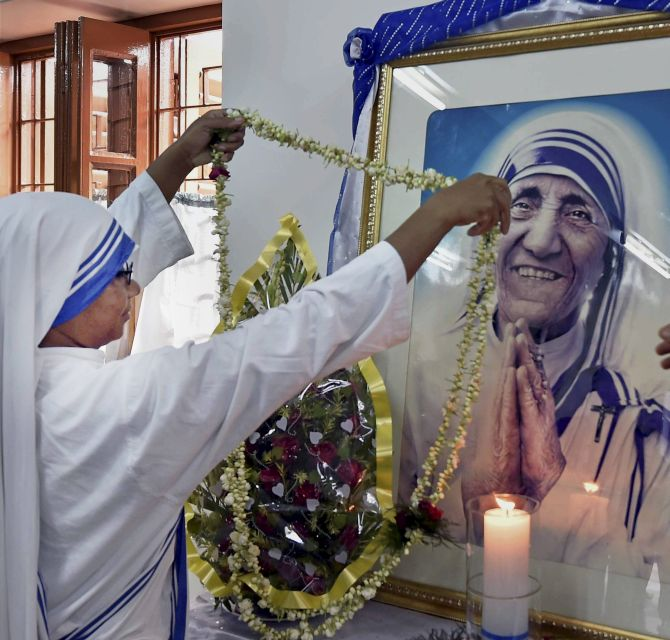 India News - Latest World & Political News - Current News Headlines in India - PHOTOS: Celebrating Mother Teresa's life and work