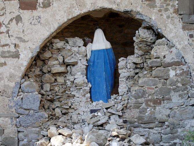 India News - Latest World & Political News - Current News Headlines in India - PHOTOS: Faith in ruins after Italy's quake