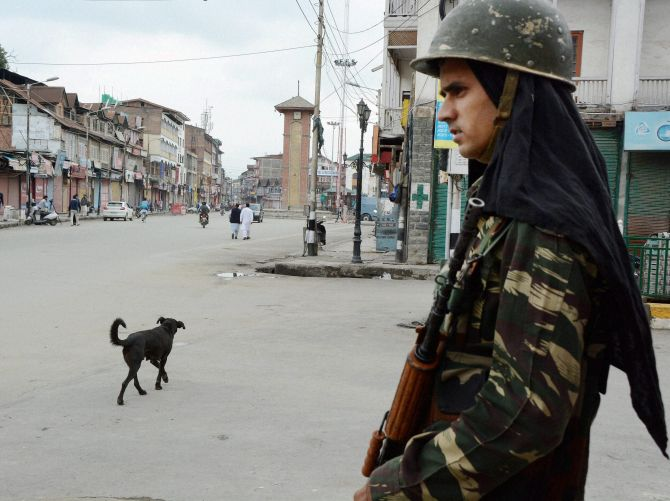 India News - Latest World & Political News - Current News Headlines in India - Kashmir curfew ends, but separatists' shutdown continues