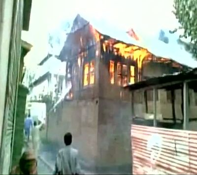 India News - Latest World & Political News - Current News Headlines in India - PDP MP's house attacked, 2 security guards injured
