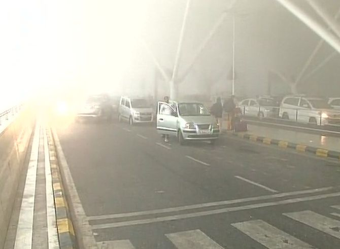 India News - Latest World & Political News - Current News Headlines in India - Dense fog in North India hits air, rail traffic; causes road accidents
