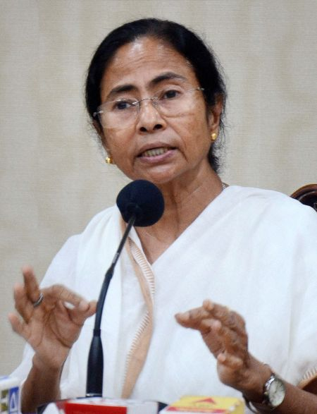 India News - Latest World & Political News - Current News Headlines in India - Mamata protests presence of Armymen at toll plazas in WB