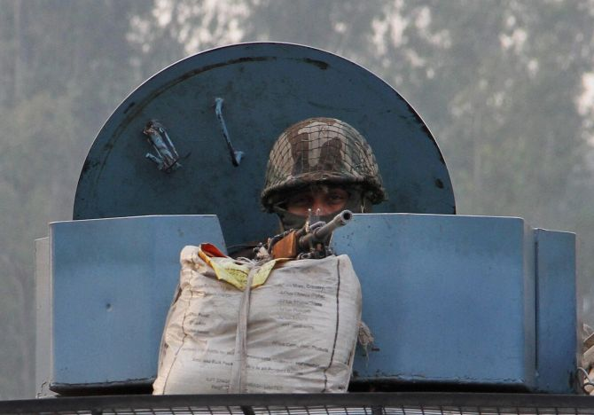 India News - Latest World & Political News - Current News Headlines in India - Fresh combing operations at Nagrota, 2 complexes cleared