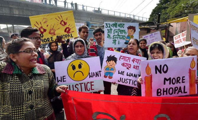 India News - Latest World & Political News - Current News Headlines in India - 32 years on, toxic waste still lying in Union Carbide factory