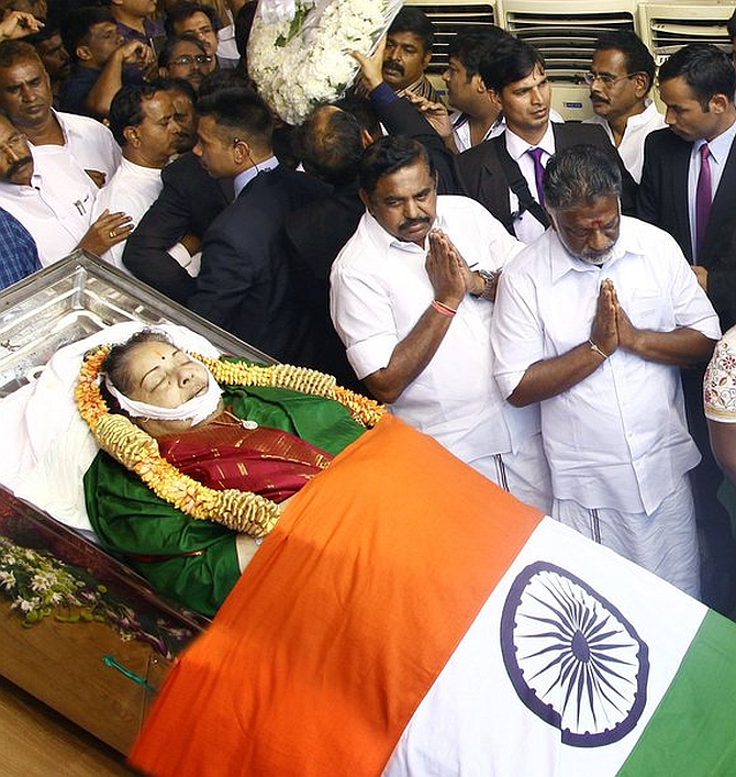 India News - Latest World & Political News - Current News Headlines in India - EPS orders probe into Jaya's death, museum at Poes Garden