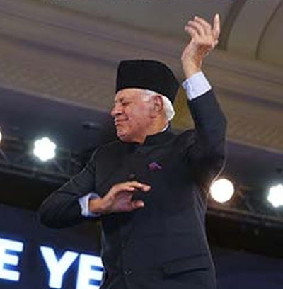 India News - Latest World & Political News - Current News Headlines in India - Farooq Abdullah's Bajirao dance-off with Ranveer goes viral