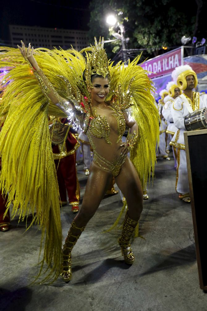 India News - Latest World & Political News - Current News Headlines in India - PHOTOS: Samba on streets as Brazil carnival kickstarts