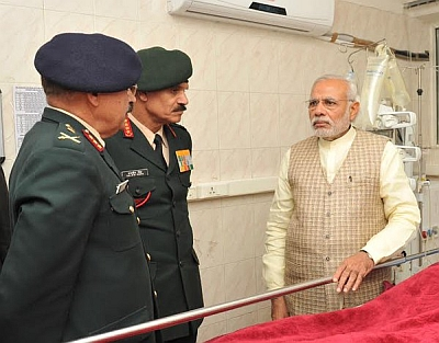 India News - Latest World & Political News - Current News Headlines in India - PM visits Siachen survivor, hails his 'indomitable spirit'
