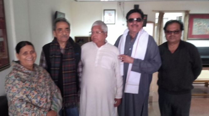 India News - Latest World & Political News - Current News Headlines in India - Shatrughan dares BJP again, 'openly' meets Nitish, Lalu