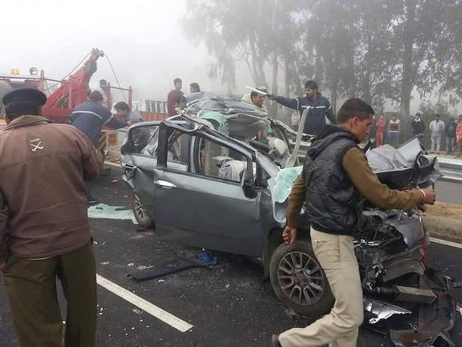 India News - Latest World & Political News - Current News Headlines in India - PHOTOS: 30-car pile-up on Haryana highway due to fog