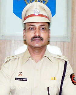 Interview With :   Dr Dnyaneshwar Chavan, District Superintendent of Police on police officer beaten up in Maharashtr