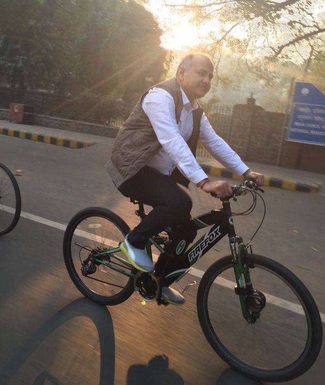 India News - Latest World & Political News - Current News Headlines in India - SPOTTED! Delhi Deputy CM cycling during odd-even plan