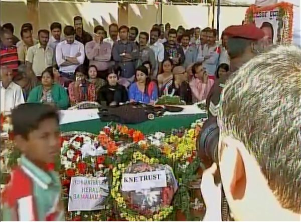 India News - Latest World & Political News - Current News Headlines in India - Teary final farewell to martyrs of Pathankot attack
