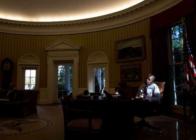 Hello  it s me  During the autumn months  as the sun dips lower in the sky   the light in the Oval Office changes throughout the day. Goodbye 2015  Top moments from the White House   Rediff com India News