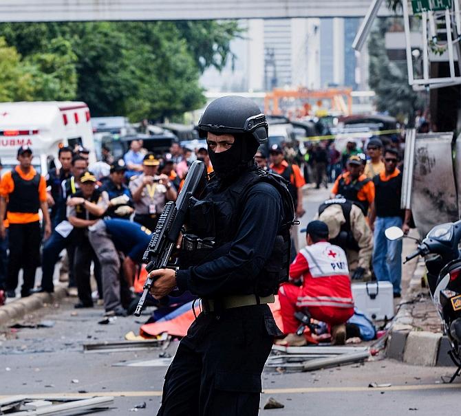 India News - Latest World & Political News - Current News Headlines in India - 'Paris-style' attacks rock Jakarta; 5 gunmen among 7 killed