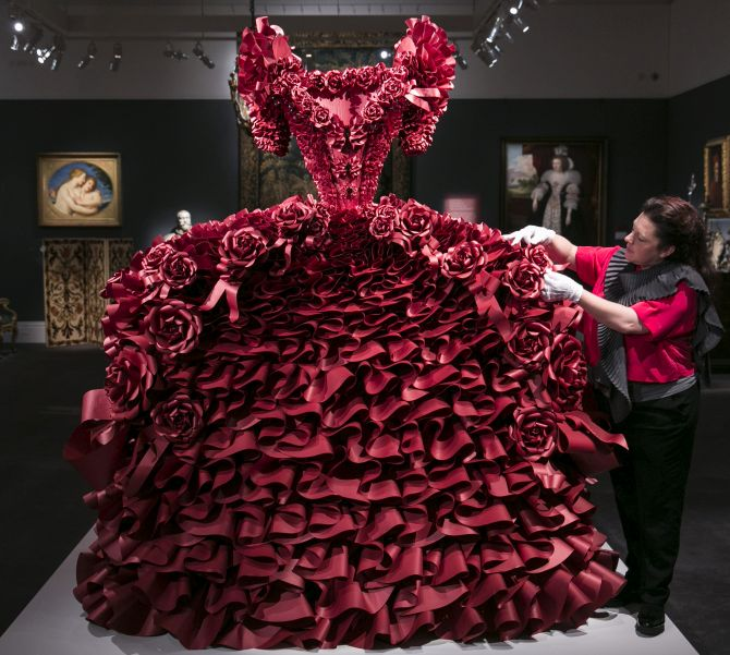 India News - Latest World & Political News - Current News Headlines in India - PHOTOS: Guess what this dress is made of!