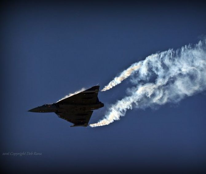 India News - Latest World & Political News - Current News Headlines in India - PHOTOS: India's Tejas flexes its muscles at Bahrain air show