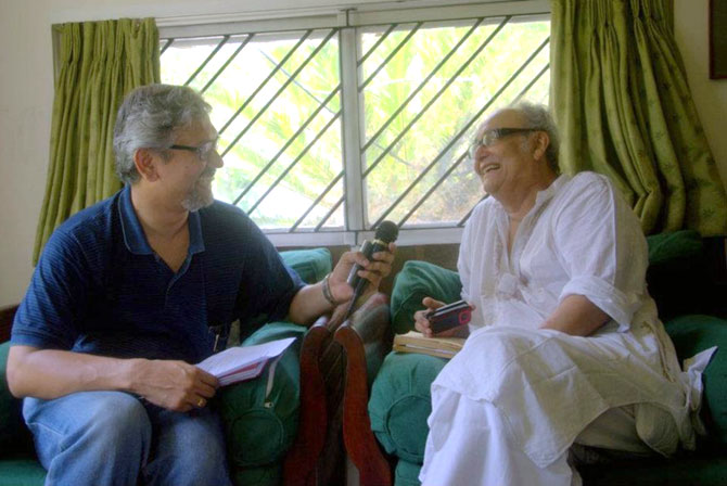 Amitava Nag interviews Soumitra Chatterjee for his book.