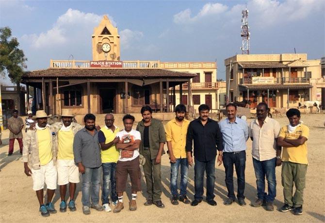 Current Bollywood News & Movies - Indian Movie Reviews, Hindi Music & Gossip - When Chiranjeevi visited Pawan Kalyan