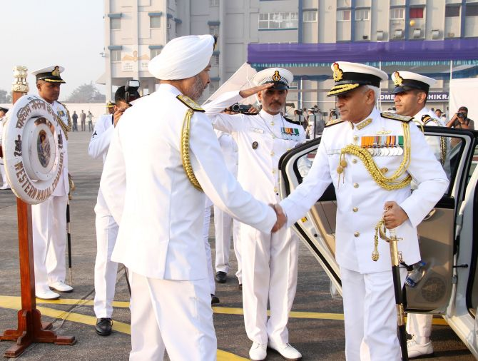 India News - Latest World & Political News - Current News Headlines in India - Vice Admiral Lanba takes charge as Western Naval Command chief