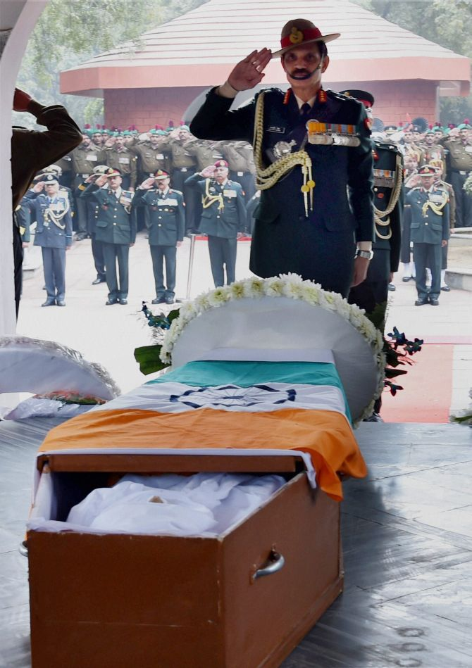 India News - Latest World & Political News - Current News Headlines in India - Former Army Chief General Krishna Rao cremated with full military honours